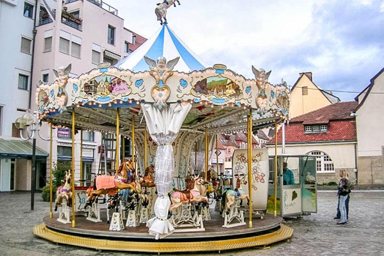 carousel 900