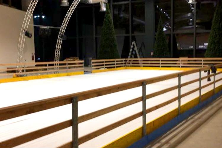 pista pattinaggio su ghiaccio
